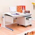 Наклонный стол в детскую с заботой о здоровье