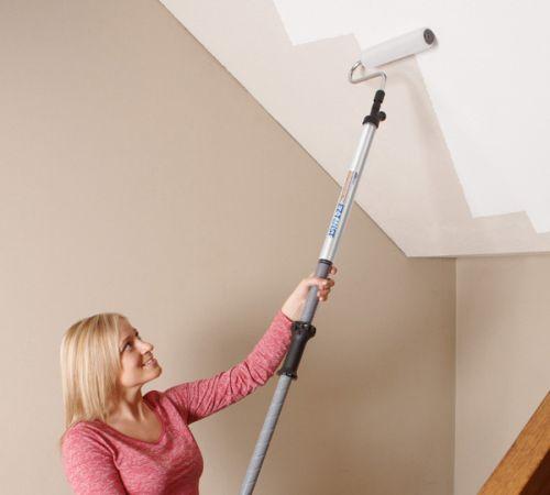Как правильно окрасить потолок
