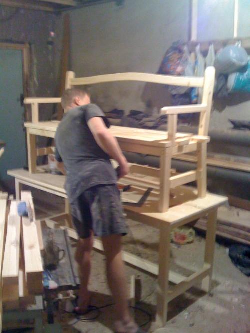 Отреставрировать мебель своими руками