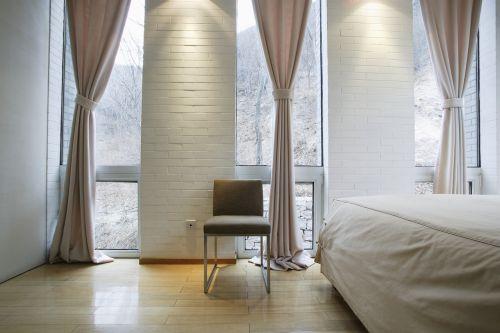 Как правильно подобрать оконные шторы